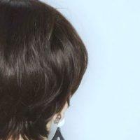 黒い髪の女性
